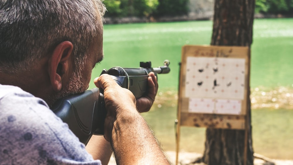 In pistol training sessions, students practice shooting moving tactics and learn to stay calm when using their firearms in stressful situations, allowing them to protect themselves in dangerous situations.